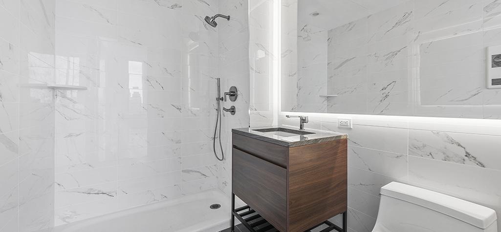 GILROY_Club_Bathroom